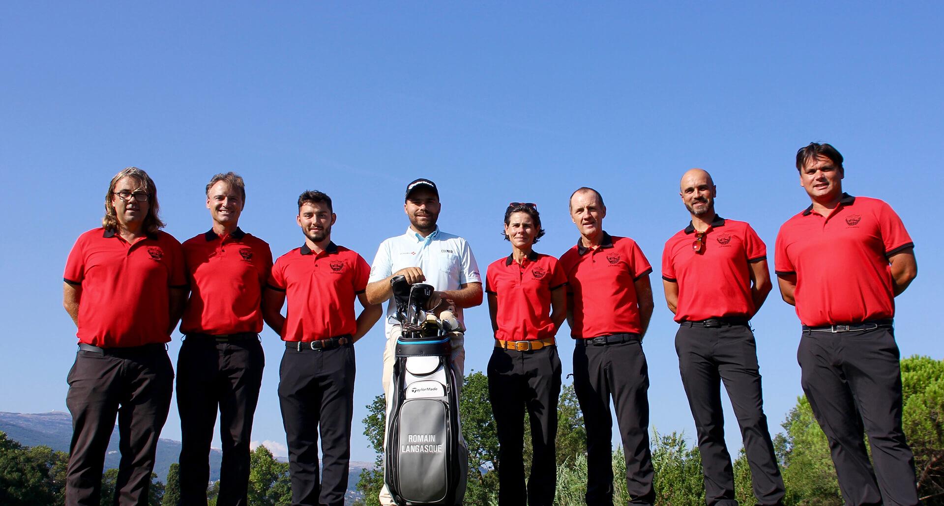 Les pros de l'académie entourent Romain Langasque le golfeur professionnel issu de Saint Donat